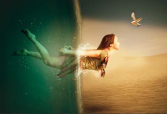 PS合成海洋穿越到沙漠中的美女图片