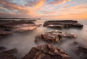 用PS滤镜插件调出唯美云海风景照片